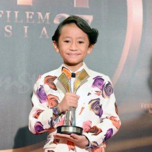 Rykarl Iskandar Menang Award