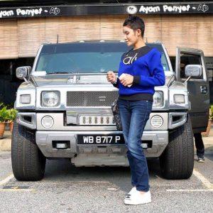 Safiey Ilias Dengan Kereta Hummer H2