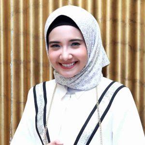 Wajah Sweet Aktres Zaskia Sungkar