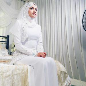 Azira Shafinaz Cantik Berbaju Pengantin