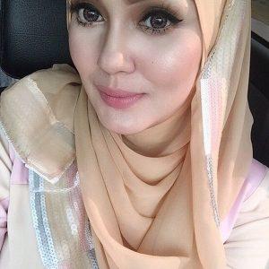 Natural Beauty Uqasha Senrose Dengan Solekan Nipis