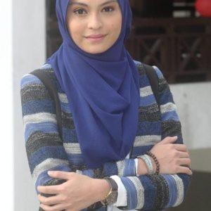 Sara Ali Comel Berhijab Penuh