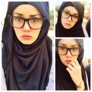Wajah Comel Uqasha Senrose Bercermin Mata
