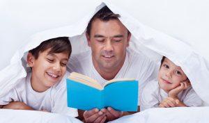 10 Tips Mendidik Anak Suka Membaca