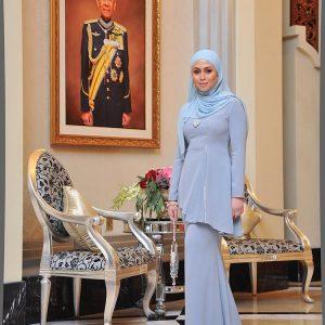 Fesyen DiRaja Azrinaz Mazhar Hakim