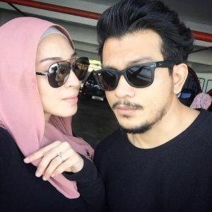 Gambar Shukri Yahaya Dan Isteri