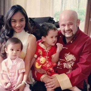 Harith Iskander Dan Isteri, Jezamine Lim