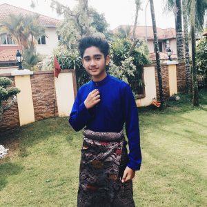 Irfan Haris Segak Berbaju Melayu
