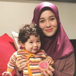 Emma Maembong Dan Baby Seri Aileen Marissa