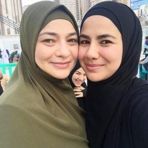 Gambar Noor Nabila Dan Ibunya