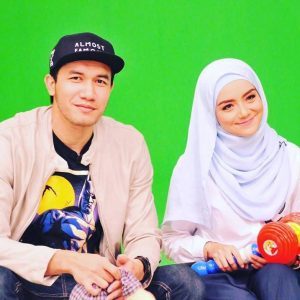 Gambar Romantis Ungku Ismail Aziz Dan Mira Filzah