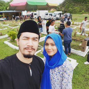 Gambar Ungku Ismail Aziz Selfie Kat Kubur