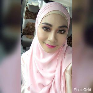 Salma Asis Bertudung Dengan Makeup Paling Cantik