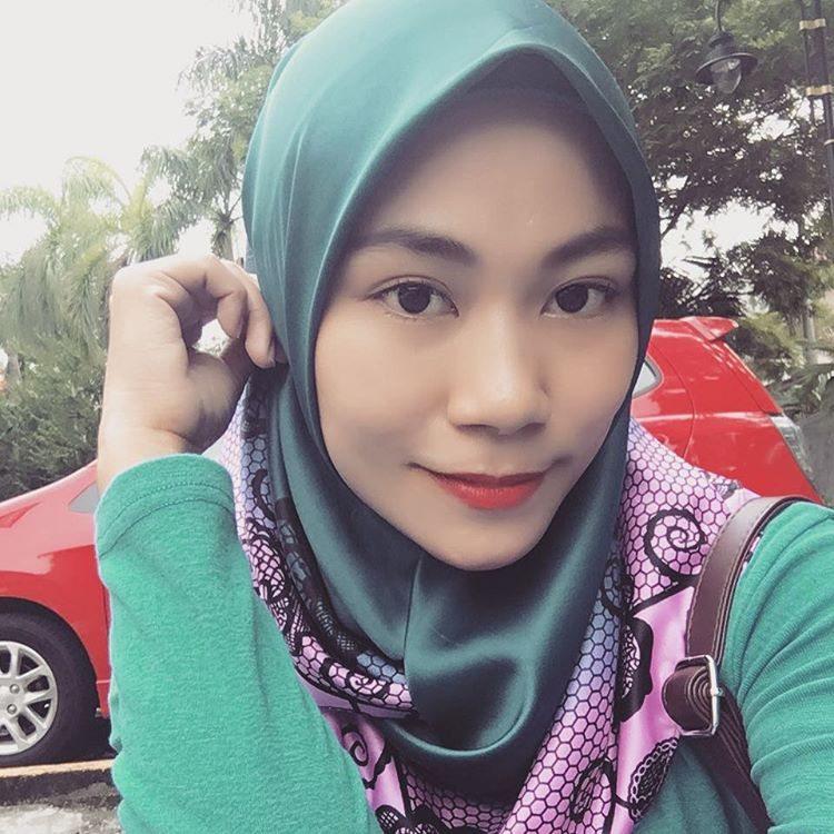 Salma asis dengan makeup simple for Floor 88 zalikha lirik