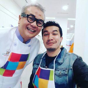 Ungku Ismail Aziz Bergambar Dengan Chef Ismail