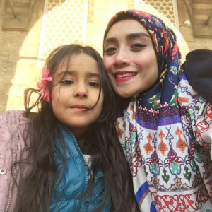 Wan Sharmila Bersama Gadis Cilik Dari Turki