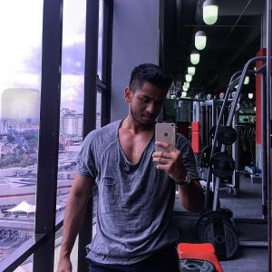 Artis Badan Sado Redza Rosli Di Gym