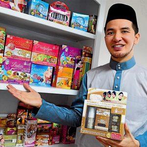 Datuk Azril V'Asia Dengan Rangkaian Produknya