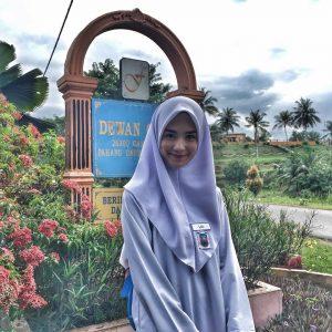 Gadis Budak Sekolah Liga Masjid