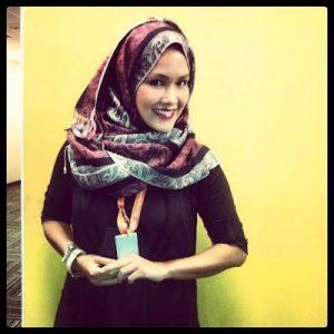Gambar Sarimah Ibrahim Bertudung