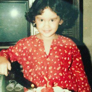 Gambar Sarimah Ibrahim Semasa Kecil (Umur 4 Tahun)