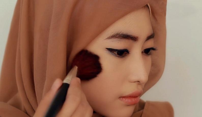 Tutorial Makeup Wanita Malaysia