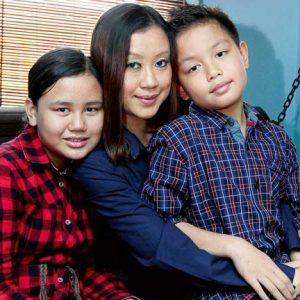 DJ Lin Bersama Kedua Anaknya