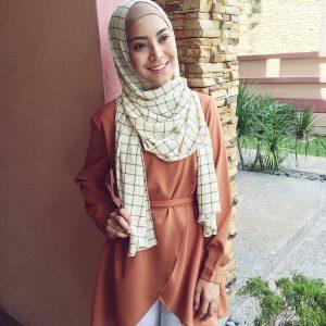 Fesyen Bertudung Mawar Rashid