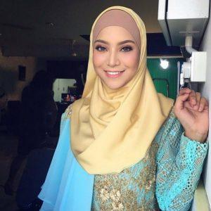 Mawar Rashid Perempuan Melayu Cantik