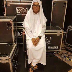 Dzawin Nur Ikram Dengan Pakaian Muslim Ala Arab