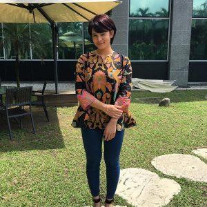 Fesyen Santai Dan Ringkas Adriana Adnan