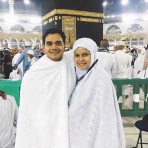 Foto Aliff Satar Dan Isteri Mengerjakan Umrah Di Tanah Suci Mekah