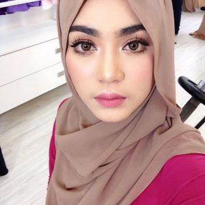 Gadis Melayu Comel Uyaina Arshad