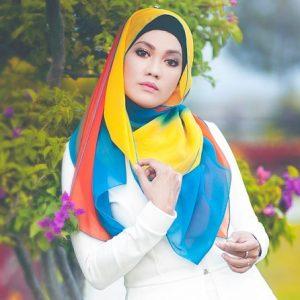 Hazlin Hussain Cantik Berhijab