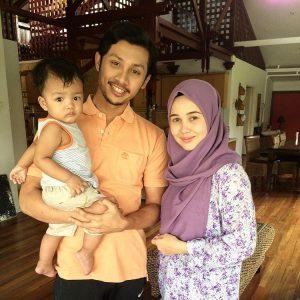 Luqman Hafidz Bersama Emma Maembong