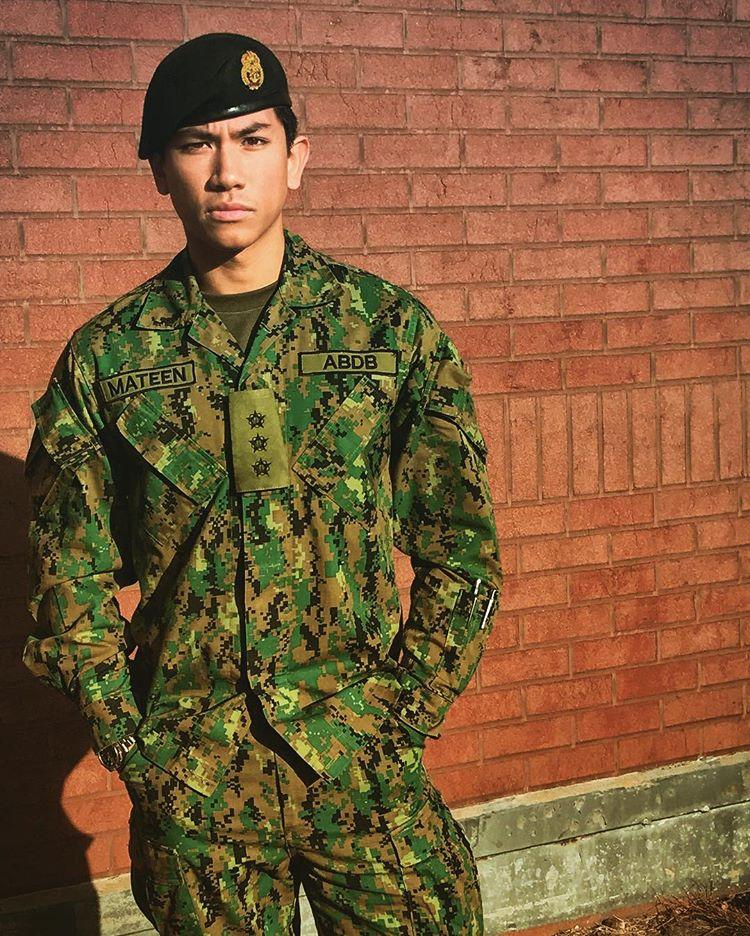 Pengiran Muda Abdul Mateen Dengan Uniform Tentera