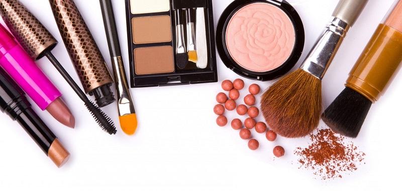 Set Makeup Wanita