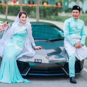 Shima Anuar & Suami Bergaya Dengan Kereta Lamborghini