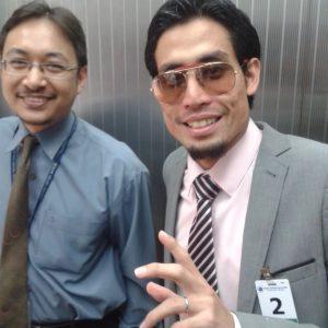Ustaz Don Daniyal Biyajid Berpakaian Pejabat