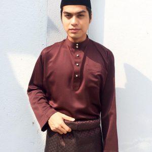 Ben Amir Dengan Gaya Baju Melayu Dan Songkok