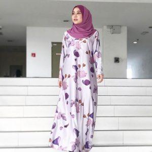 Farah Nabilah Dengan Fesyeni Jubah Muslimah