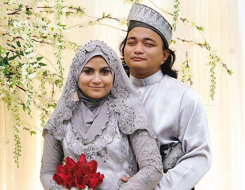 Gambar Ana Raffali Dan Suami