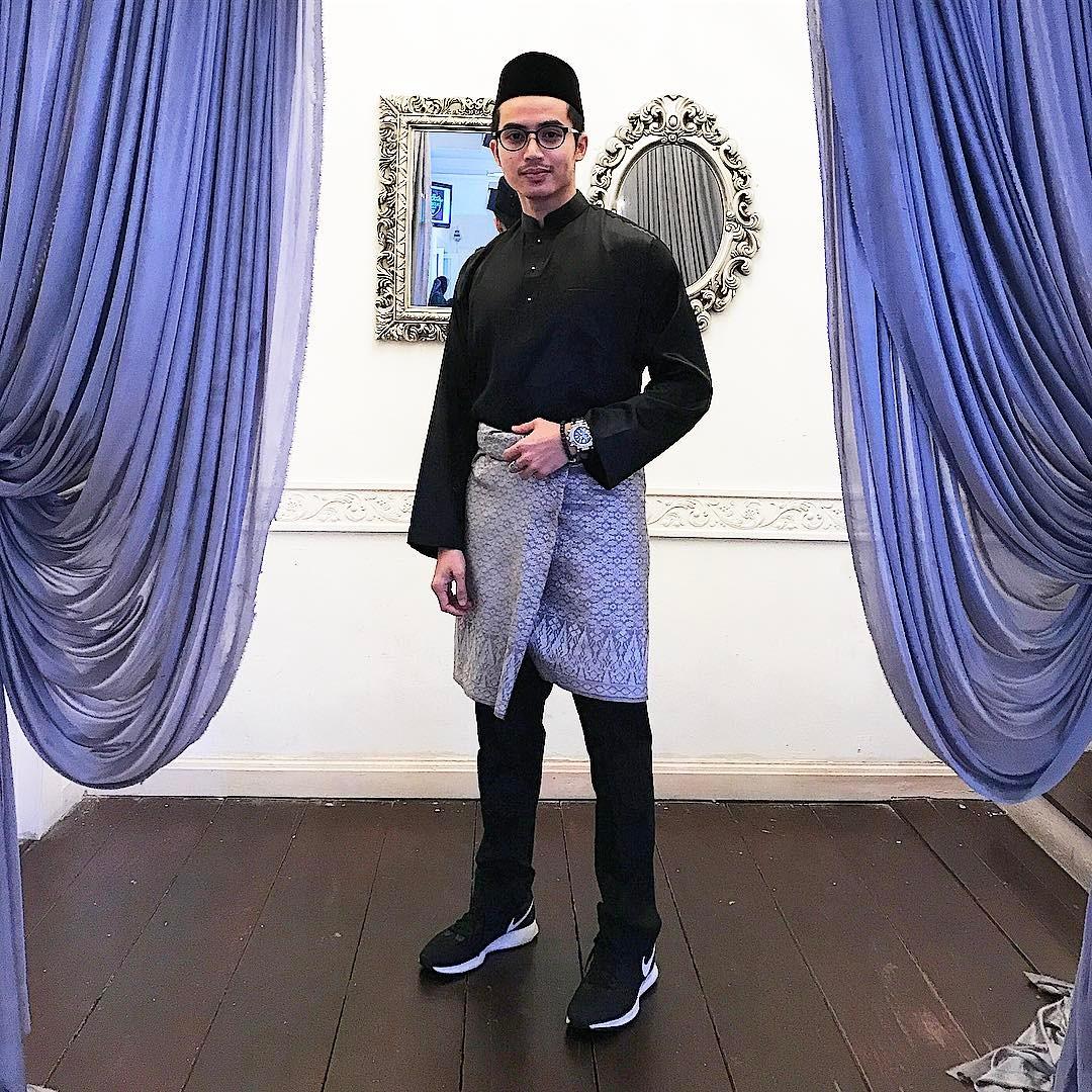 Gambar Zoey Rahman Segak Berbaju Melayu Tradisi