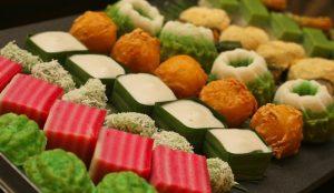 6 Kuih-Muih Wajib Beli Di Bazar Ramadhan