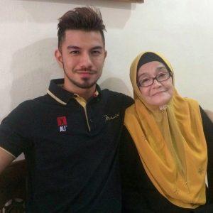 Mustaqim Bahadon Dan Ibu Kandung
