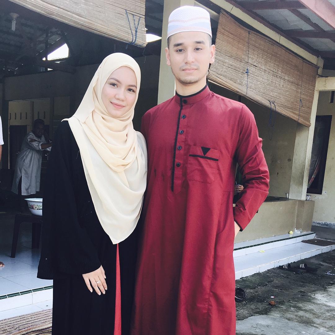 Fesyen Busana Muslimah Aprena Manrose