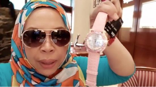 Dato Seri Vida Dengan Jam Tangan RM100K