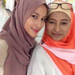Eyra Hazali Dan Ibu Kandung