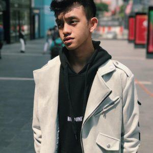 Gaya Fesyen Ismail Izzani