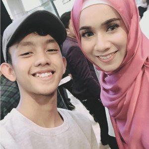 Ismail Izzani Bermesra Dengan Amira Othman